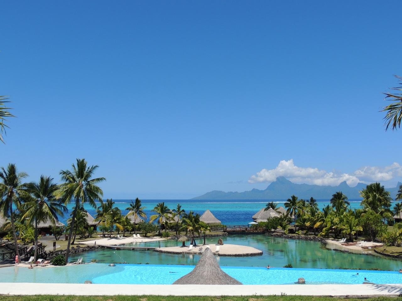 Intercontinental Tahiti with its pool and lagoonarium